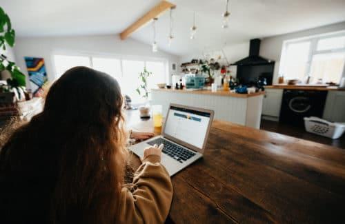 Online Vorbereitung von Zuhause am Laptop